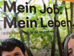 """Bildausschnitt mit Schriftzug """"Mein Job. Mein Leben."""" vor einem Foto mit Wald und unten ein Teil eines Gesichtes."""