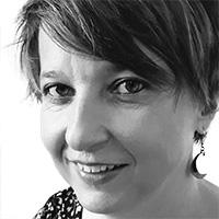Elisabeth Löffler: lächelnde kurzhaarige Frau